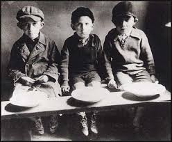 Image result for picture inside lodz ghetto Jews having lunch