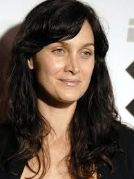 f1e8f 20caf dd93f4b50cfeb488df90ed9d855ce381 Hairstyles Pictures – Soft Textured Wave Hairstyles for Women from Carrie Anne Moss - f1e8f_20caf__dd93f4b50cfeb488df90ed9d855ce381