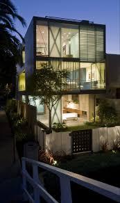 5187c3b1b3fc4b4d520000b9 vivienda m2 monovolume architecture small sustainable house plans hover 3 by glen irani photo aviator villa urban office architecture