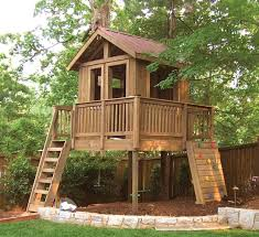 garden landscaping  Brilliant Outdoor Tree House for Your Family    garden landscaping  Fabulous Outdoor Tree House Design Which Is Completed With Wooden Ladder And Kids