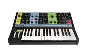Купить <b>Moog Grandmother</b> - <b>синтезатор</b> - гитарный эффект по ...