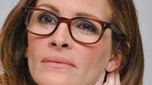 Den Oscar-nominerede skuespiller Julia Roberts meldes i stor sorg, efter hun søndag mistede sin halvsøster. - 3362453-Julia%2520Roberts