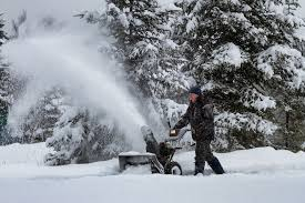 Should You Buy a <b>Single</b>- or Two-<b>Stage Gas</b> Snowblower?