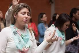 Resultado de imagem para imagens grupo de mulheres cristãs