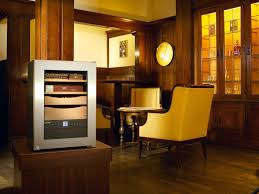 Cigars-What do they need to develop their flavour - <b>Liebherr Humidor</b>!