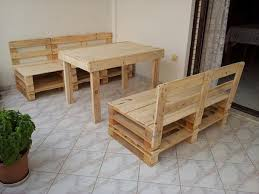 recycled table and chairs out of pallet build pallet furniture