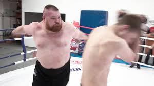 Безумный бой Дацик 150 кг против двоих бойцов / TRUE <b>GYM</b> ...