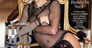 В <b>боди из сетки</b> и кружевных чулках: Хейли Болдуин на обложке ...