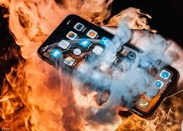 """Review chi tiết iPhone XS Max: Apple đã """"dạy hư"""" người dùng như ..."""