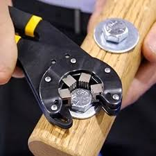 Watch: Bionic Multi-Function Wrench | Unique <b>gadgets</b>, <b>Gadgets</b>, <b>Diy</b> ...