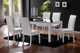 <b>Белые стулья для кухни</b>: выбор модели