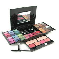 cameleon makeup kit g2327 well coordinated trendy