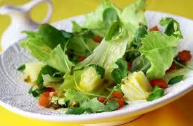 Resultado de imagem para - Salada de folhas verdes com pepino e palmito