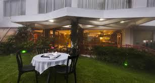 viceroy hotel restaurant hotels in darjeeling darjeeling hotels front view