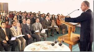 Resultado de imagem para IMAGENS DE TESTEMUNHAS DE JEOVA