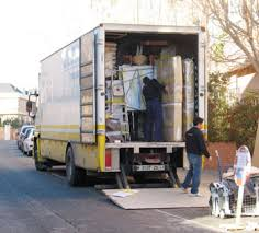 Resultado de imagen para camiones mudanza camion