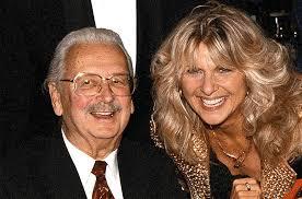 play Können seit vielen Jahren viel zusammen lachen: Walter Roderer und Country-Sängerin Suzanne Klee. (RDB) - Walter-Roderer-und-Suzanne-Klee