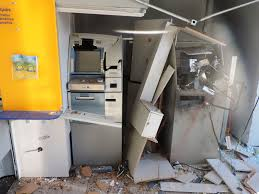 Resultado de imagem para caixas eletronicos explodidos