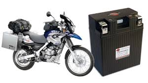 How to replace the battery in a BMW <b>F650 GS</b> Dakar - YouTube