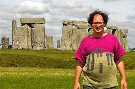 Турист связал 100 <b>свитеров</b> с изображением посещенных им ...