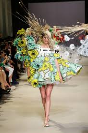 <b>Viktor & Rolf</b> Haute Couture SS15 | Dazed