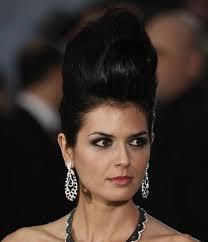 ... cabo la contrataron para eso) con este maxi-cardado tan espantoso... de los peinentones, mejor no hablo... El delicado maquillaje de Manuela Vellés era ... - Maria%2Breyes