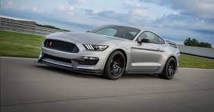 2020 Ford <b>Mustang Shelby</b> GT350R dips into the pony car parts bin ...