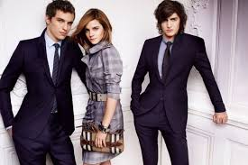 <b>Burberry 2010</b> Spring Ad Campaign (With images) | <b>Burberry</b> ...