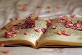 Risultati immagini per immagini libri e fiori