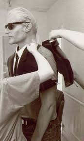 casey pugh theverge from our definitive history of max theverge from our definitive history of max headroom how make up and