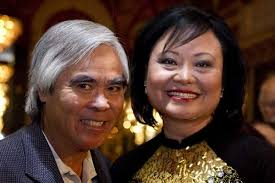 Photographer Nick Ut, left, reunites with Kim Phuc Phan Thi ahead of a tribute dinner that was held in Toronto on June 8, 2012. [Photo byt Chris Young/The ... - kim_phuc_nick_ut_060812