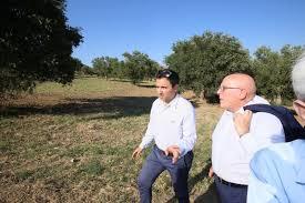 Risultati immagini per foto oliverio cimitero migranti