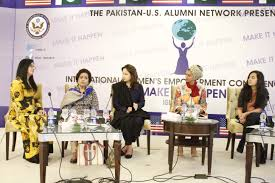 puan editor author at u s alumni network page of  panelists momina duraid haseena moeen zeba bakhtair sarah khan moderator anam abbas at session on bringing social change through film and tv