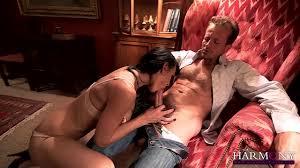 Baiser la gorge dune femme Video Porno Gorge Profonde Luxure et passion dans cette TV XXX de Franki