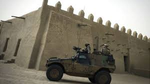 Timbuktu fears French troops withdrawal from Mali - BBC News