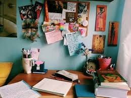 how to tell someone s personality from their signature what your desk looks like can reveal your true personality