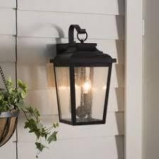 Den moderne standerlampe New Palermo passer ind i <b>de</b> fleste ...