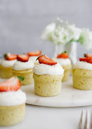 Mini Victoria Cakes - Wood & Spoon