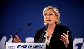 En meeting dans l'Est, Le Pen attaque Macron et Fillon