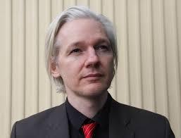 Szwedzkie media są zgodne w opinii, że wolno, ale nieubłaganie zbliża się dzień gdy Julian Assange, twórca portalu Wikileaks, stanie przed szwedzkim ... - Julian_Assange_(Norway,_March_2010)