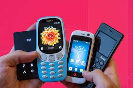 Лучшие кнопочные <b>телефоны</b>: рейтинг 2020 года