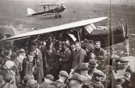 「1932年 - アメリア・イアハートが女性として初めての大西洋単独横断飛行」の画像検索結果