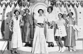 「1927年 - 日本橋の三越呉服店で日本初のファッションショー」の画像検索結果