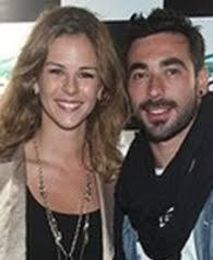 ... di calcio della città sia vittima di una rapina: stavolta è toccato alla modella argentina Yanina Screpante, fidanzata del centravanti Ezequiel Lavezzi. - Ezquiel-Lavezzi-con-Yanina-Screpante