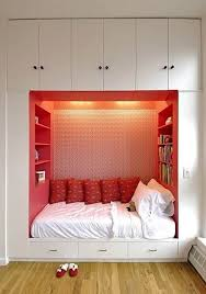 bedrooms designs for small spaces bedroom decor for small spaces bedrooms designs for small spaces charming bedroom ideas red