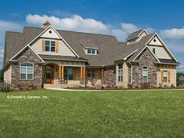 Country House Plans at Dream Home Source   Country Farm Cottage    DHSW