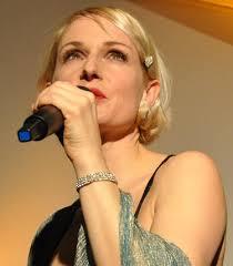 Es war nicht das erste Mal, dass die Sängerin Annette Postel in St. Moritz zu hören war. Im Duo mit Pianist Sebastian Matz bestritt sie am 8. - 2026314035