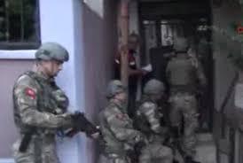 İstanbul'da terörü öven 3 kişi gözaltında