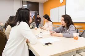 elite network mentoring scheme 2016 17 hang seng management college students sought career planning advice from mentors
