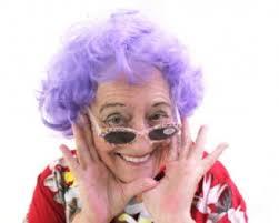 תוצאת תמונה עבור סבתא בבגדי חווה